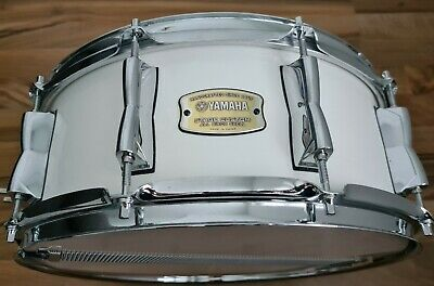 Yamaha Stage Custom 14x5.5 Snare Drum (Excellent Condition)
