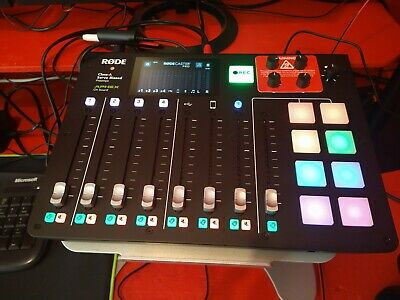 Rode RODECaster Pro Fully Integrated Podcast Production Studio, 4 Microphone  • 375£