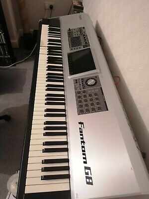 Roland Fantom G8 Workstation.11 KEYS ARE DAMAGED/NEED REPLACING.Collection Only • 800£