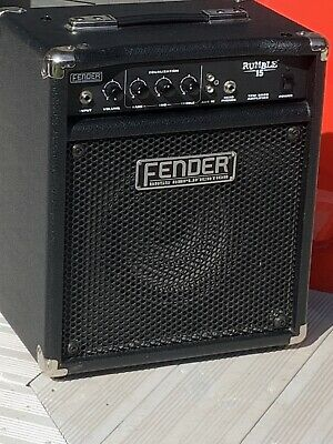 Fender Rumble 15 Bass Amplifer • 19£