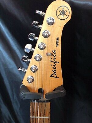 Yamaha PAC112J-NAT Pacifica Series HSS with Rosewood Fretboard