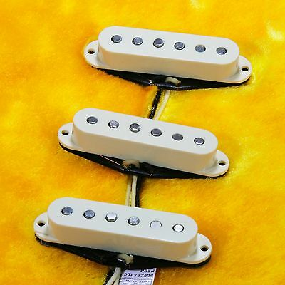 Lindy Fralin Blues Special STRAT Pickups ANTIQUE WHITE With Base Plate • 212.46£