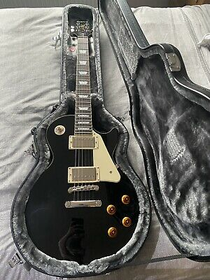 BRAND NEW Epiphone Les Paul Standard Ebony Guitar WITH CASE!! **UNOPENED** • 425£