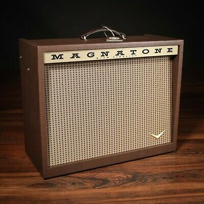 """Magnatone Varsity Reverb 15W 1x12"""" Combo Amp W/ Footswitch & Cover • 1,291.50£"""