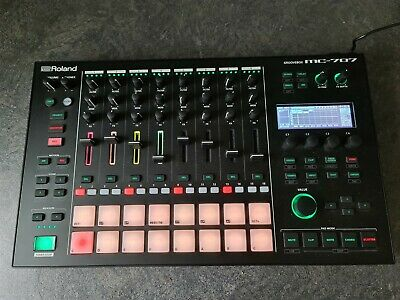 roland mc 707 GrooveBox with built in Sequencer and Sampler