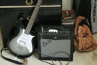 Rogue Rocketeer Gray Burst Electric Guitar W/ Fender Mustang I V2 (Used) • 240.65£