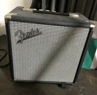Fender Rumble 15 Bass Amplifier - Black/Silver • 60£