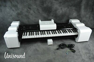 Korg Kronos 2 61-Key Music Workstation Synthesizer In Near Mint Condition • 2,183.24£