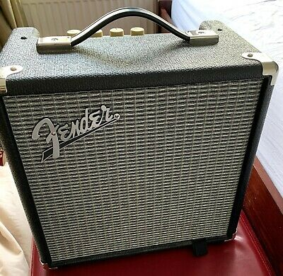 Fender Rumble 15 - Bass Combo Amplifier • 20.30£