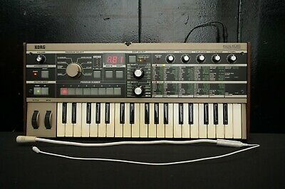 Korg MicroKorg Small Portable Analogue Modelling Synthesiser & Vocoder W/ Mic • 309.55£
