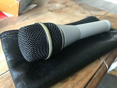 EV PL 80c Microphone With Lead • 70£