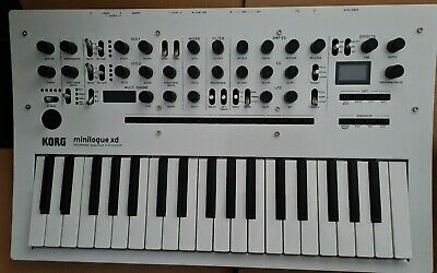 Korg Minilogue XD Limited Edition Pearl White • 510£