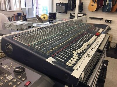 Soundcraft  LX7ii 32 Channel Live/Recording Mixer - With Original Hard Case • 764.46£