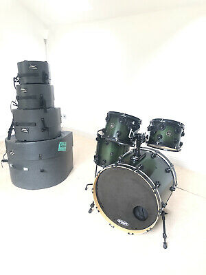 dw collectors Custom drum kit 4 Piece Birch Toms maple Bass. Hard cases Included