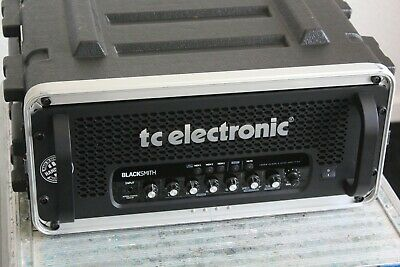 TC Electronic 'BLACKSMITH', Bass Amp In Flight Case With RC4 Pedal Switch • 1,000£