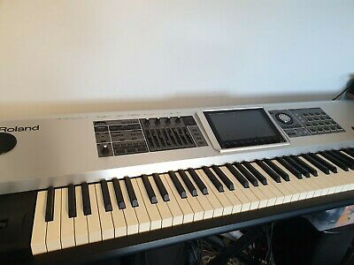 Roland Fantom G8 Workstation Ivory Feel Weighted 88-Key Very Good Condition • 1,000£