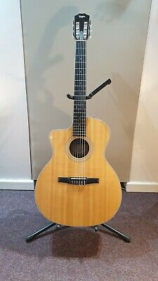 Taylor 214-ce N Nylon Classical Acoustic Guitar (Left Handed) With Soft Case • 675£