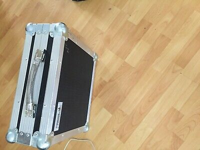 Allen & heath fits zed 10 type mixer hard swan case excellant condition see pic