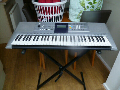 Yamaha PSR E363 With Stand Carry Holdall And Tuition Books • 95£