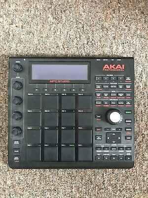 Akai MPC Studio Black W/ Carry Case. Barely Used. Includes Connection Cable. • 190£