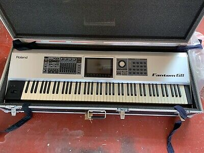 Roland Fantom G8 Workstation With Flight Case And Soft Case. Excellent Condition • 1,000£