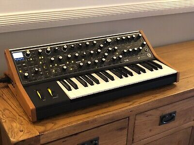 Moog Subsequent 37 Paraphonic Analogue Synthesizer (with Original Box) • 1,300£