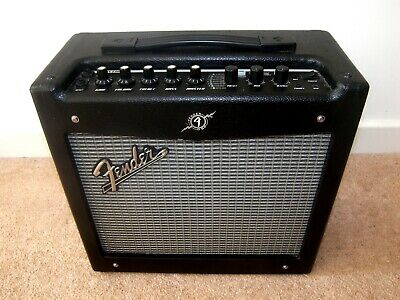 Fender Mustang I V2 , 20 Watts Digital Guitar Modelling Amp Combo With Effects.  • 80£