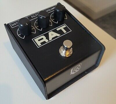 ProCo Rat2 Distortion Pedal - guitar and bass - good condition