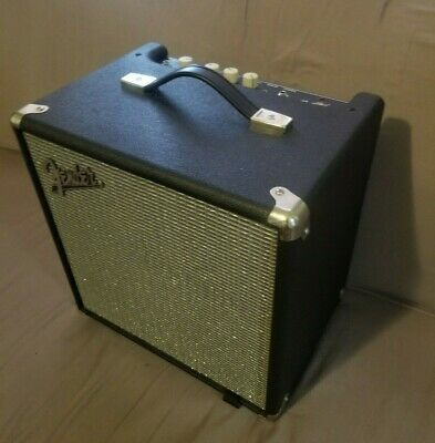 Fender Rumble LT25 Combo Bass Amplifier, Silver And Black, Barely Used • 60.42£