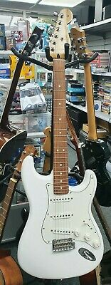 Fender Player Series Stratocaster Electric Guitar Pf Pwt Polar White 75th