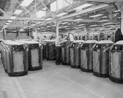 Seeburg Trashcan Jukebox Factory 1940s 8x10 Reprint Of Old Photo • 14.27£