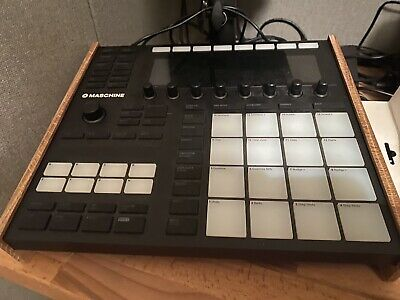 Native Instruments MASCHINE MK3 AND KOMPLETE 12 UPGRADE FROM KOMPLETE SELECT • 550£