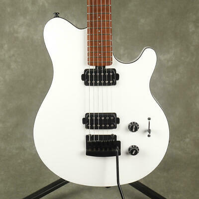 Sterling by Music Man S.U.B Axis - White - 2nd Hand