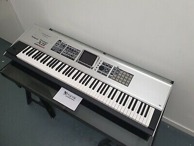 Roland Fantom X8 Keyboard Workstation. Excellent Condition. Pickup ONLY • 750£