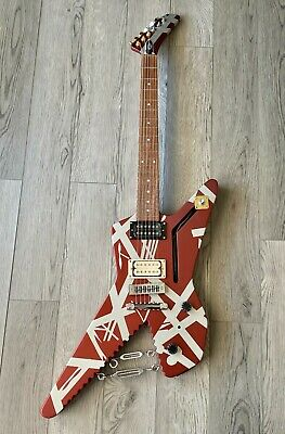 EVH Striped Series Shark, Burgundy With Silver Stripes Guitar With Case • 1,291.04£