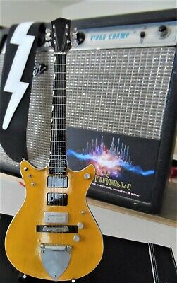 MALCOLM YOUNG - Gretsch G6131MY Signature Jet 1:4 Scale Replica Guitar~New • 20£
