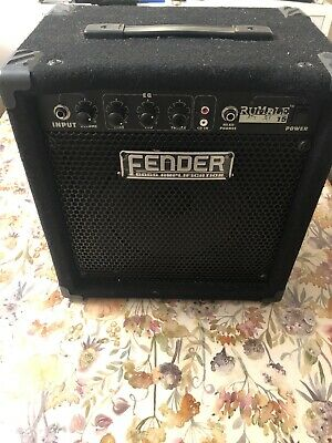 Fender Rumble 15 Bass Amp  • 70£