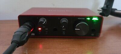 Scarlet Solo Focusrite 48v phantom power supply with Audio Technica AT2020/mount