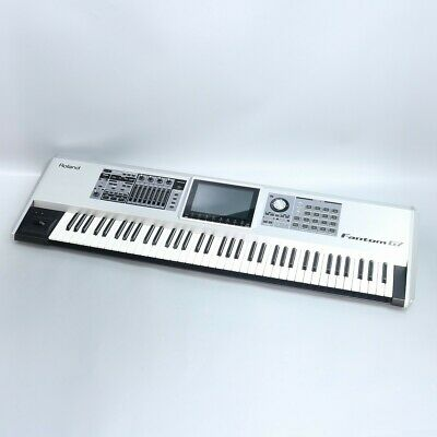 Roland Fantom G7 Keyboard Synthesizer Musical Instruments Great Condition