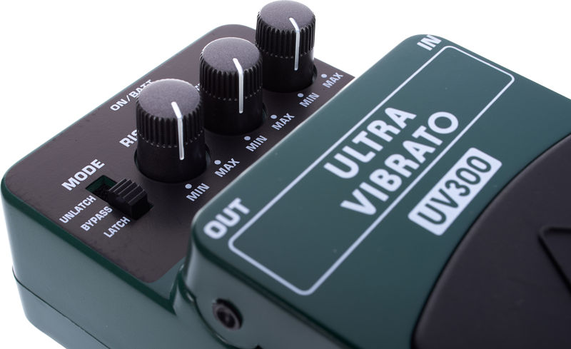 Modified Behringer UV300 Ultra Vibrato with Slow Rate Mod